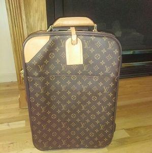 Handbags - Very Nice Luggage